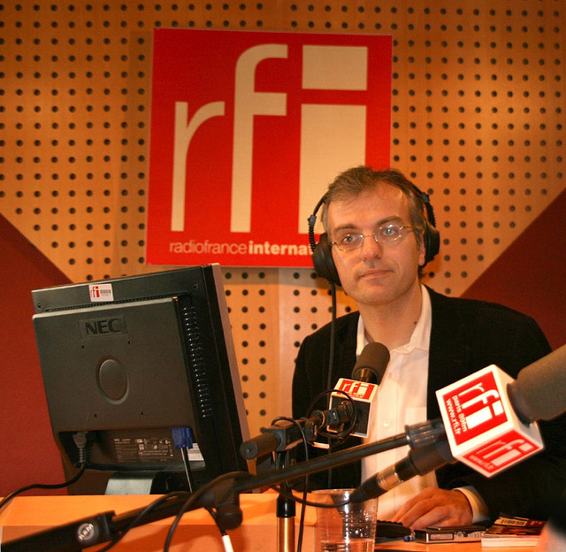 Dans les studios de RFI
