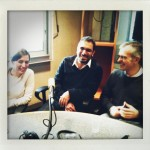 Isabelle Regnier, Nabil Wakim et Philippe Couve dans les locaux de France culture lors de l'enregistrement de l'émission Place de la Toile